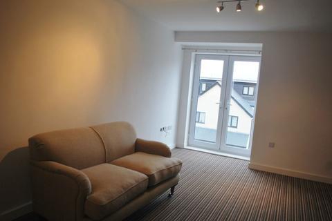 3 bedroom flat to rent - Flat 3, Apartment Block B