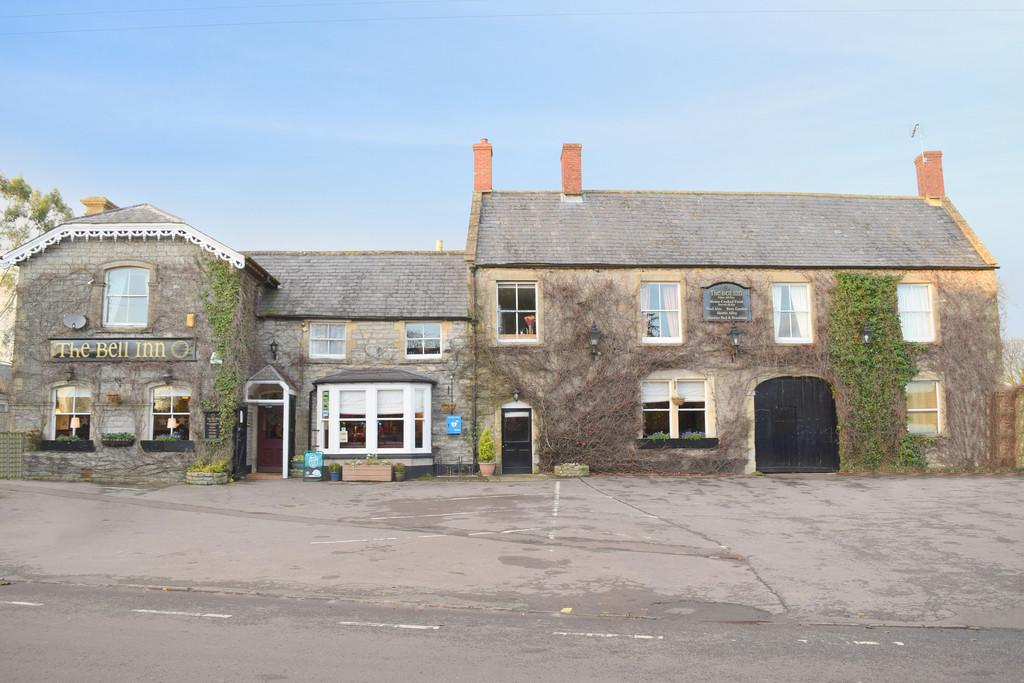 5 Bedrooms Detached House for sale in Bruton Road, Evercreech