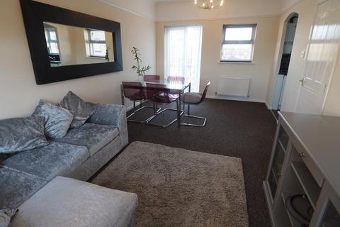 2 bedroom apartment to rent - Plimsoll Way, Victoria Dock, Hull, HU9 1PW