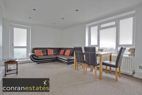 2 bedroom apartment to rent - Strongbow Crescent, Eltham SE9