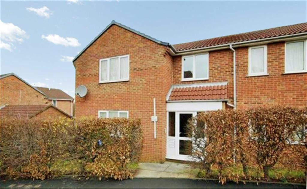 1 Bedroom Flat for sale in Hildenley Close, Scarborough, North Yorkshire, YO12