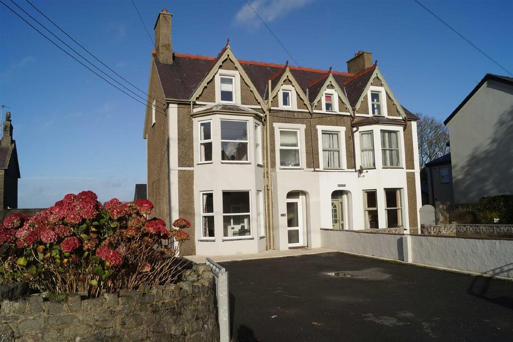 6 Bedrooms Semi Detached House for sale in Lon Uchaf, Morfa Nefyn