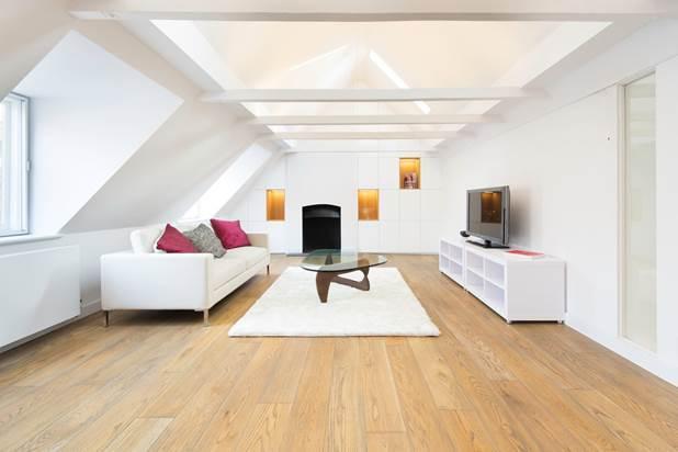 2 Bedrooms Flat for sale in Kensington Church Street, London, W8