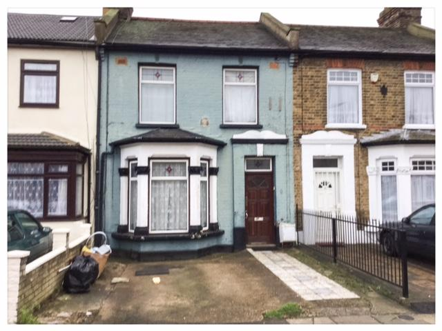 3 Bedrooms Terraced House for sale in Chester Road, Seven Kings IG3