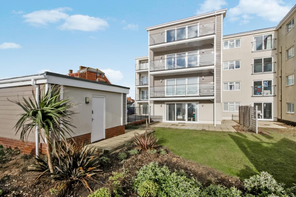 2 Bedrooms Flat for sale in Latitude West, 37 St. Catherines Road, Bournemouth, Dorset, BH6