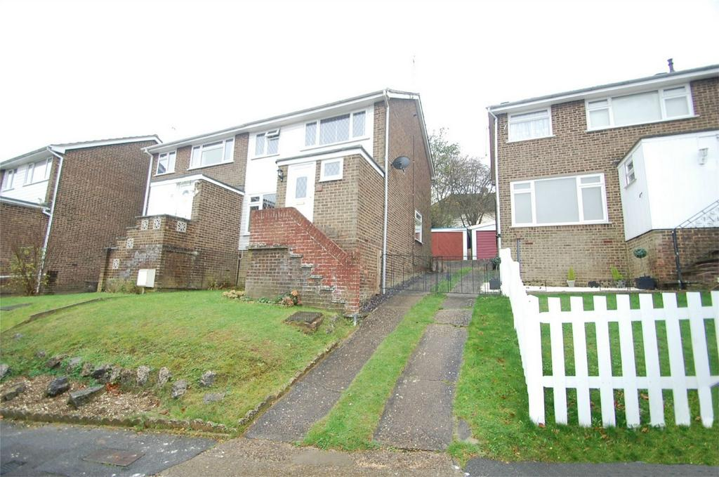 3 Bedrooms Semi Detached House for sale in Hillborough Grove, Walderslade, Chatham, Kent