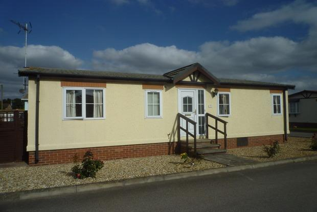 2 Bedrooms Mobile Home for sale in Fenland Village, Osborne Road, Wisbech, PE13