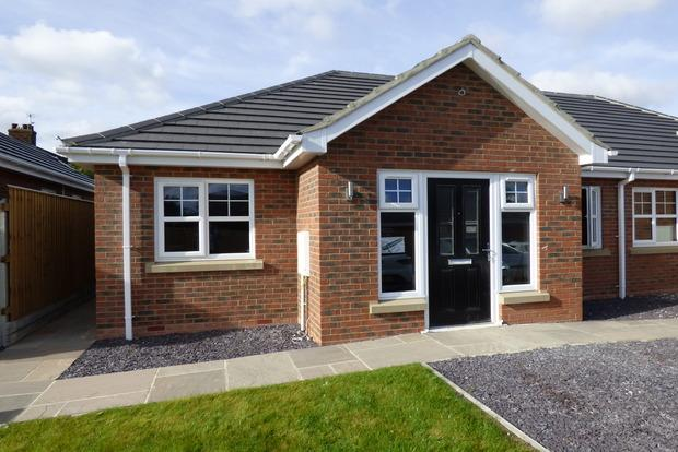 2 Bedrooms Bungalow for sale in Taylor's Garden, Louth, LN11