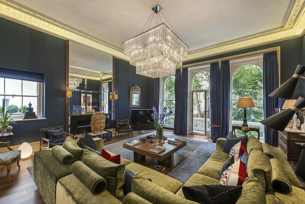 3 Bedrooms Maisonette Flat for sale in Cornwall Gardens, London, SW7