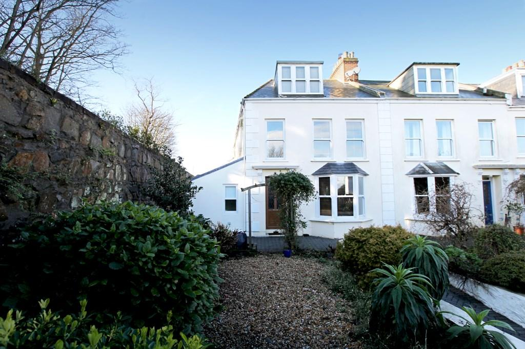 4 Bedrooms Town House for sale in Queen's Road, St. Peter Port, Guernsey