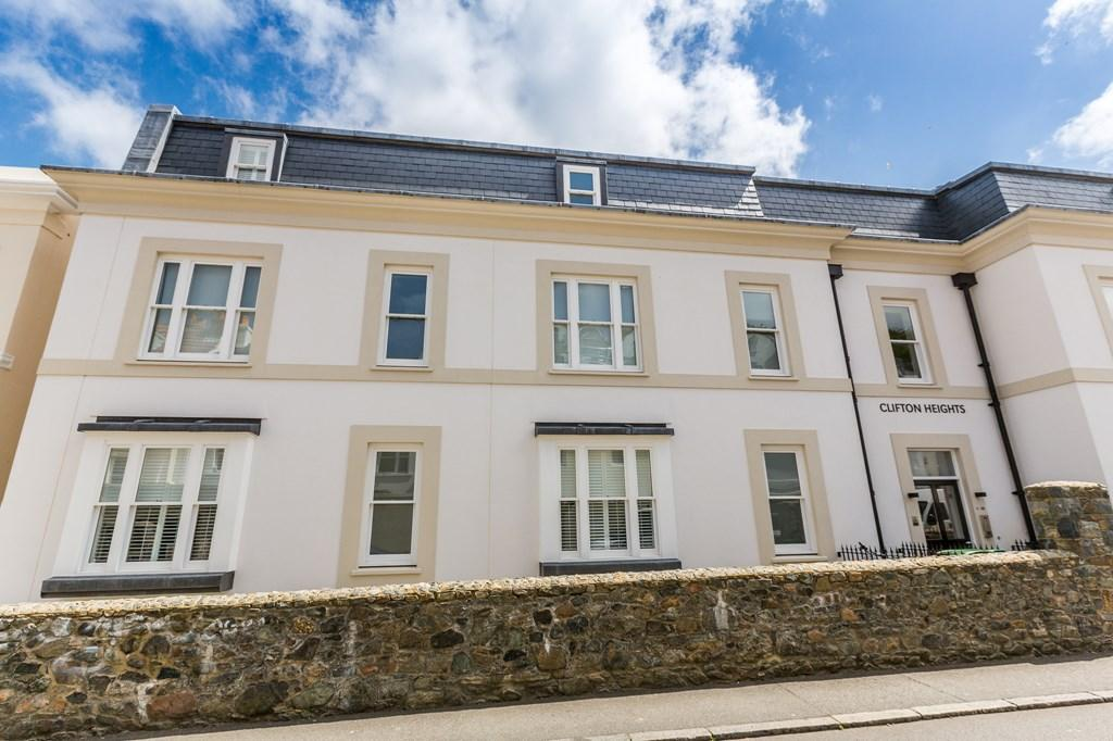 2 Bedrooms Flat for sale in Clifton Heights, St. Peter Port, Guernsey