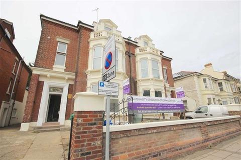 Studio to rent - Victoria Road North, Portsmouth, Hampshire