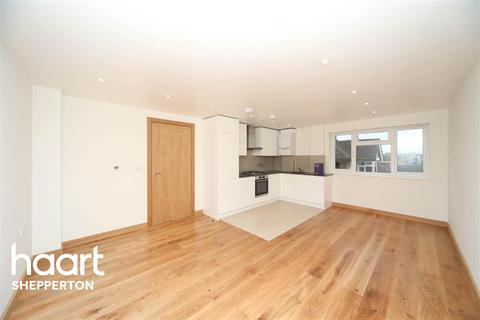 2 bedroom flat to rent - Laleham Road TW18