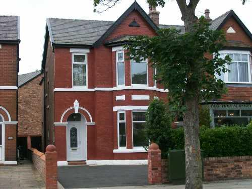 4 Bedrooms Semi Detached House for sale in Cambridge Road, Churchtown, Southport PR9