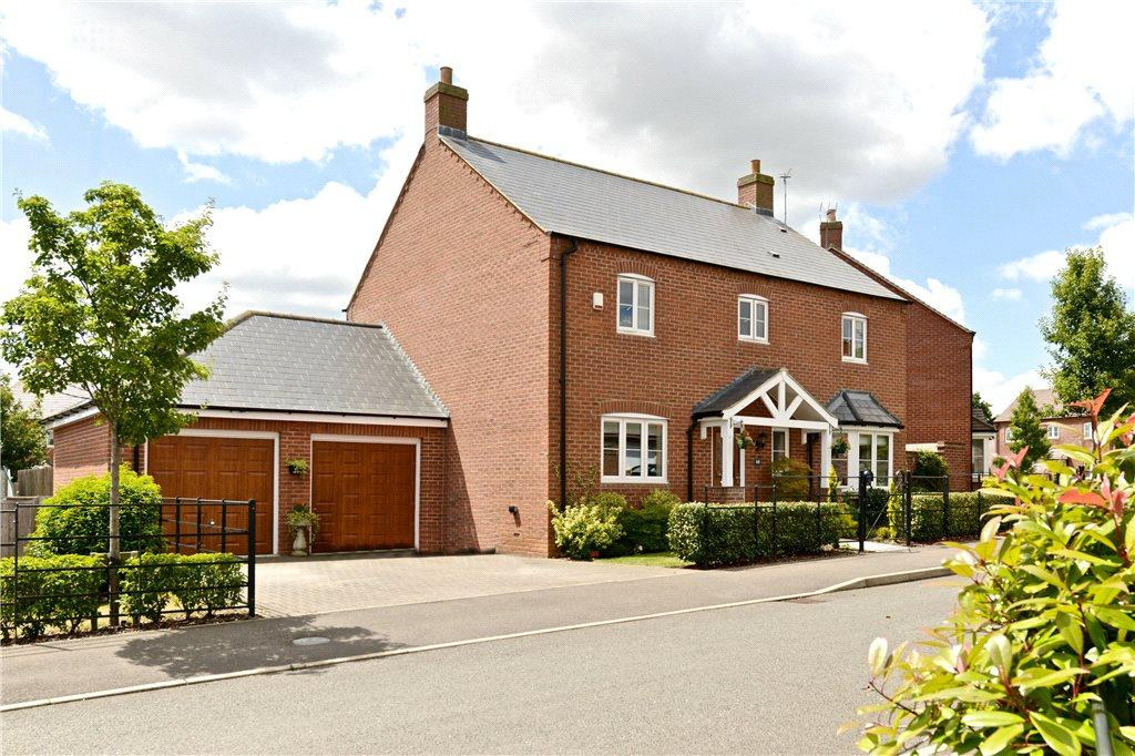 4 Bedrooms Detached House for sale in School Lane, Hartwell, Northampton, Northamptonshire