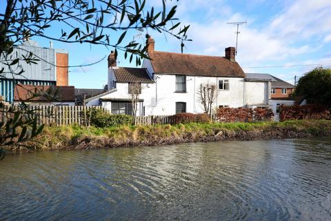 2 bedroom cottage for sale - Navigation Cottages, Colchester Road, Heybridge, Maldon, Essex, CM9
