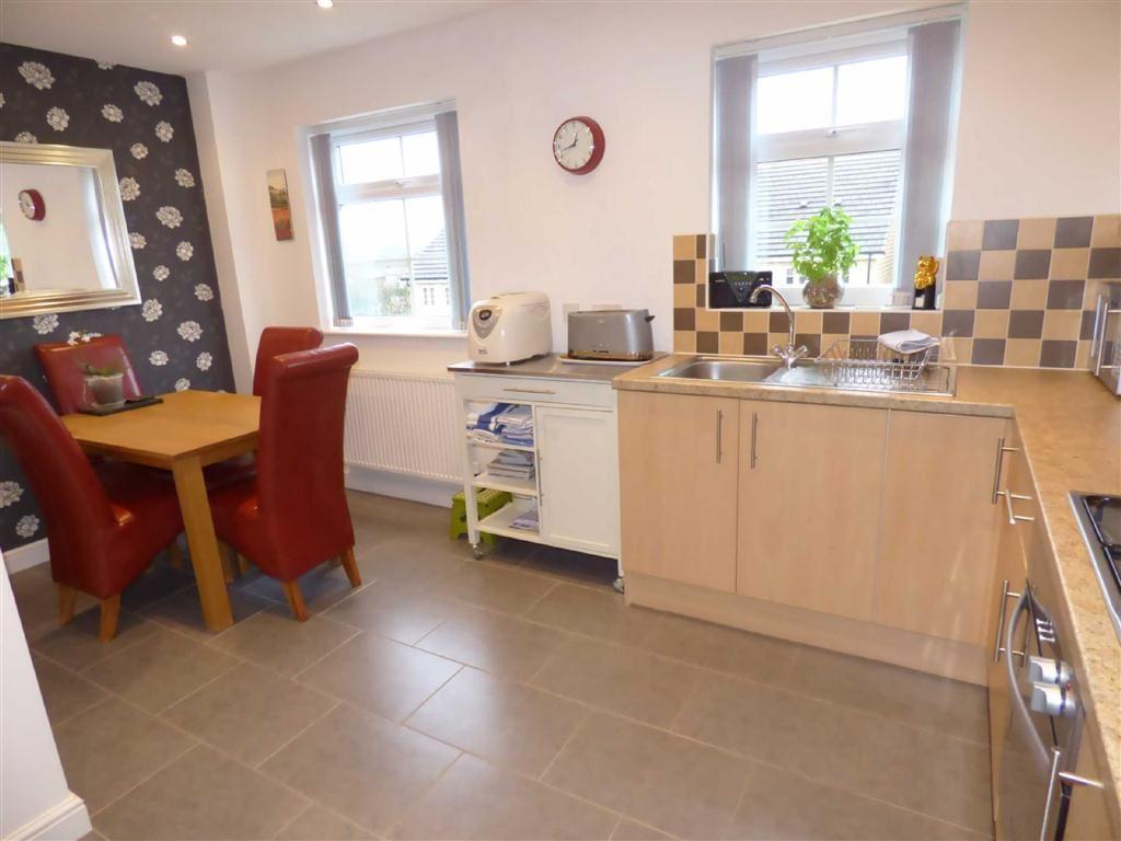 3 Bedrooms Semi Detached House for sale in Pendle Avenue, Bacup, Lancashire, OL13