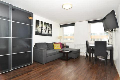 1 bedroom apartment to rent - Mallard House, Townmead Road SW6