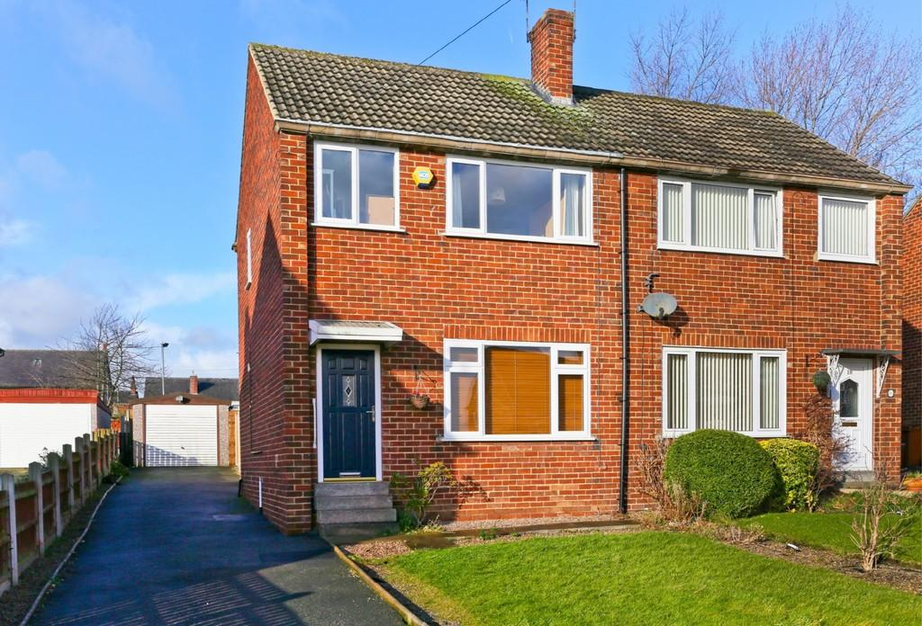 3 Bedrooms Semi Detached House for sale in Jubilee Crescent, Outwood