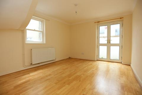 3 bedroom terraced house to rent - Little Western Street, Hove
