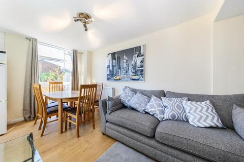 4 bedroom terraced house to rent - Dunston Road, London