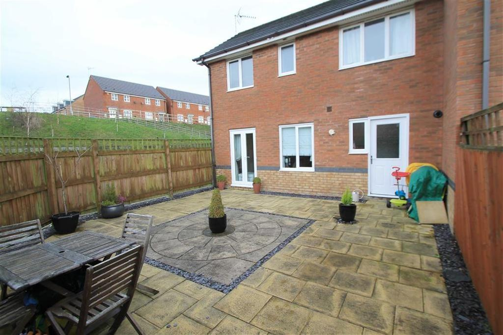 3 Bedrooms Mews House for sale in Bloom Avenue, Brymbo, Wrexham