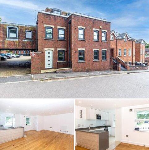2 bedroom flat to rent - Pembroke Court, Thompsons Close, Harpenden, Hertfordshire