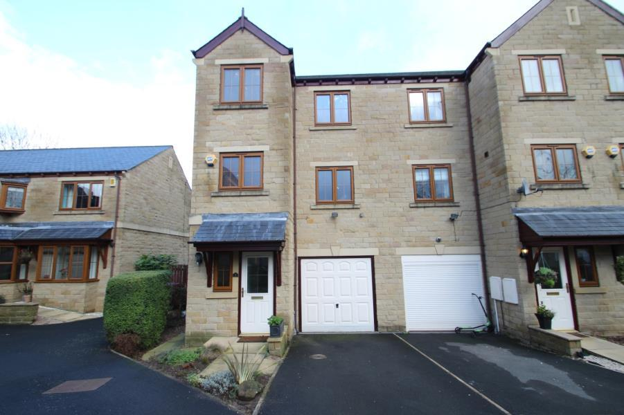 4 Bedrooms Town House for rent in THE BEECHES, POOL IN WHARFEDALE, LS21 1TL