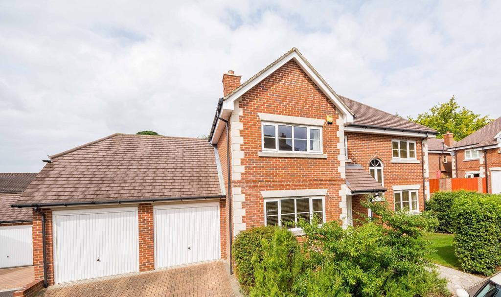 5 Bedrooms Detached House for sale in Millers View, Bursledon, Southampton SO31