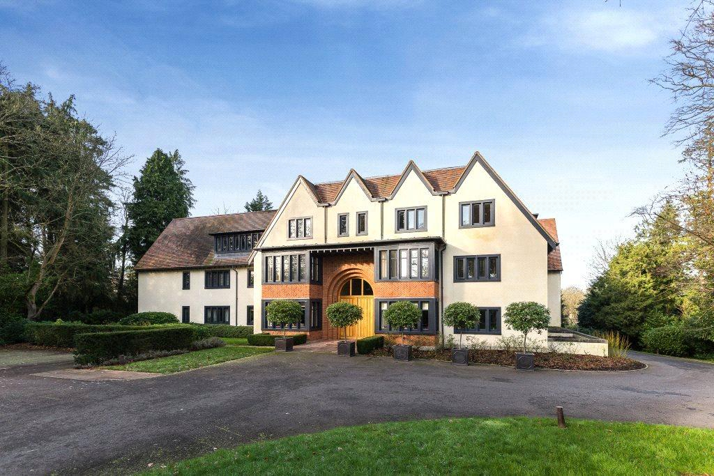 2 Bedrooms Flat for sale in Ascot Place, Windsor Road, Ascot, Berkshire, SL5