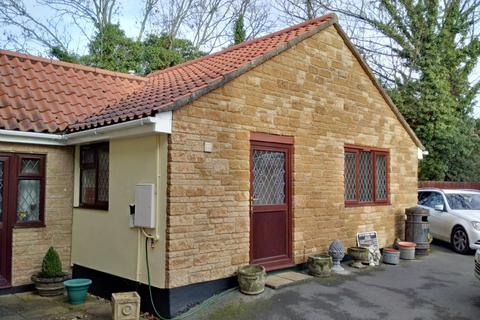 1 bedroom bungalow to rent - Litton Lane, Litton