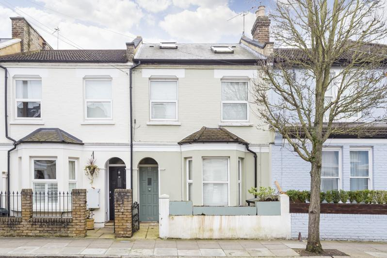 2 Bedrooms Maisonette Flat for sale in Cobbold Road, Askew Road Area, Shepherd's Bush W12