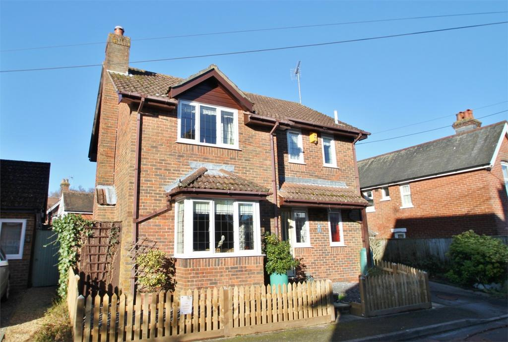 3 Bedrooms Detached House for sale in LYNDHURST, Hampshire