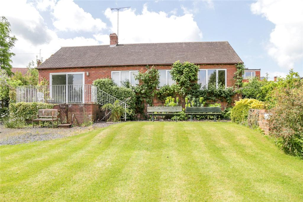 3 Bedrooms Detached Bungalow for sale in Barkers Lane, Cleobury Mortimer, Kidderminster, Shropshire
