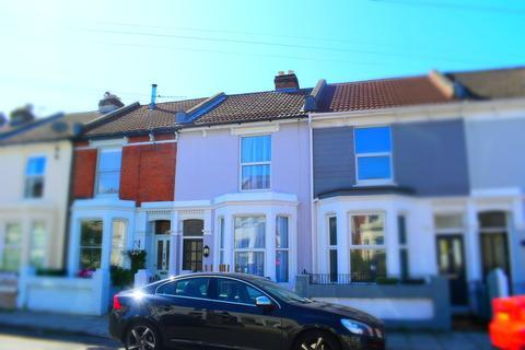 4 bedroom terraced house - Wheatstone Road, Southsea