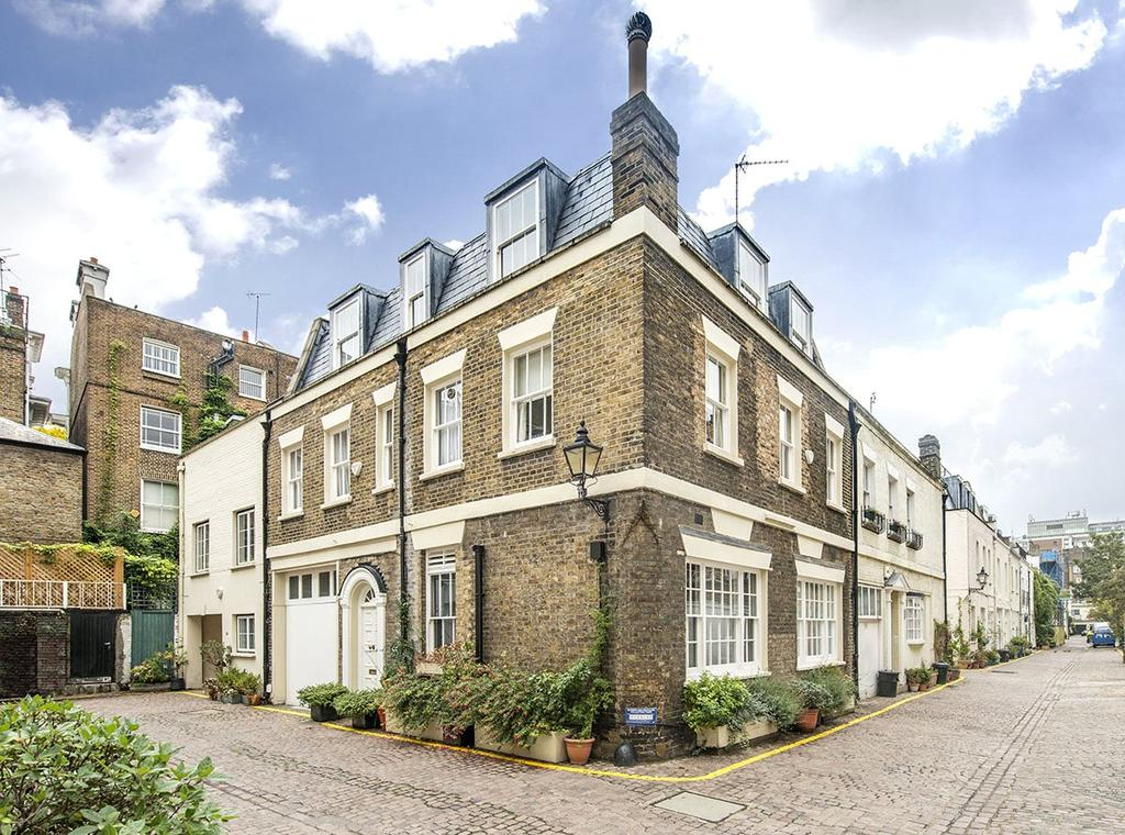 4 Bedrooms Mews House for sale in Queen's Gate Mews, South Kensington, London, SW7