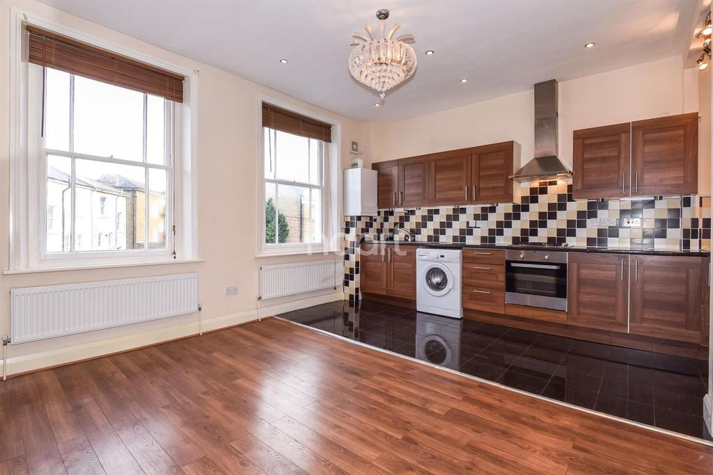 4 Bedrooms Flat for sale in Flaxman Road, Camberwell SE5