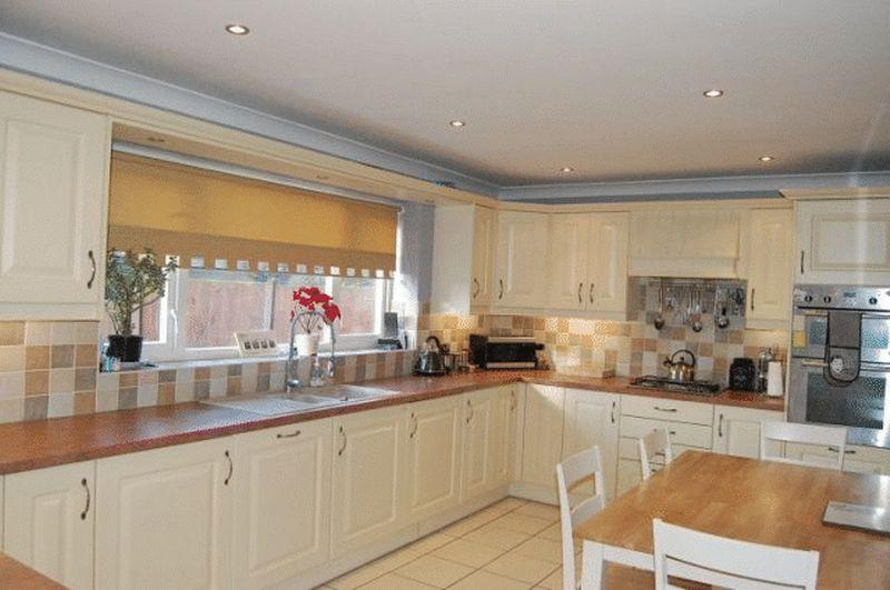 3 Bedrooms End Of Terrace House for sale in Sackville Road, Immingham
