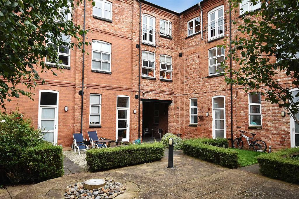 3 Bedrooms Terraced House for sale in Wellington Works, Kettering