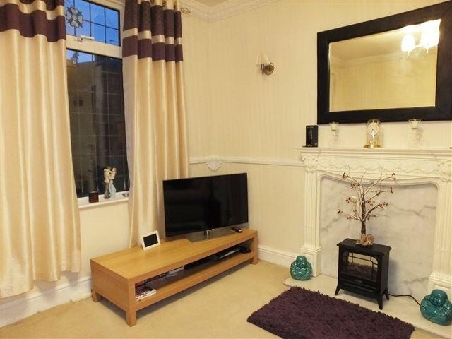 2 Bedrooms Semi Detached House for sale in Woodhouse Road, Intake, Sheffield, S12 2AZ