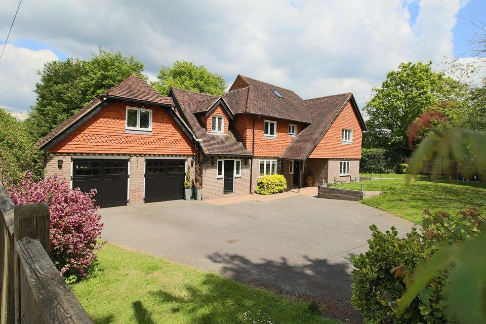 6 Bedrooms Detached House for sale in Sandridge Lane, Lindfield, West Sussex.