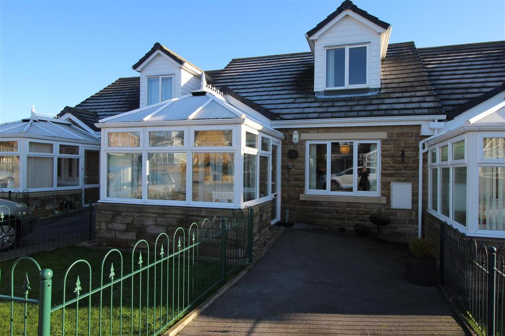 3 Bedrooms Bungalow for sale in Pitty Beck View, Allerton, Bradford