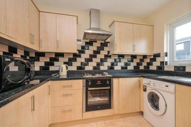 3 Bedrooms Terraced House for sale in Bygrove, New Addington, Surrey, London CR0