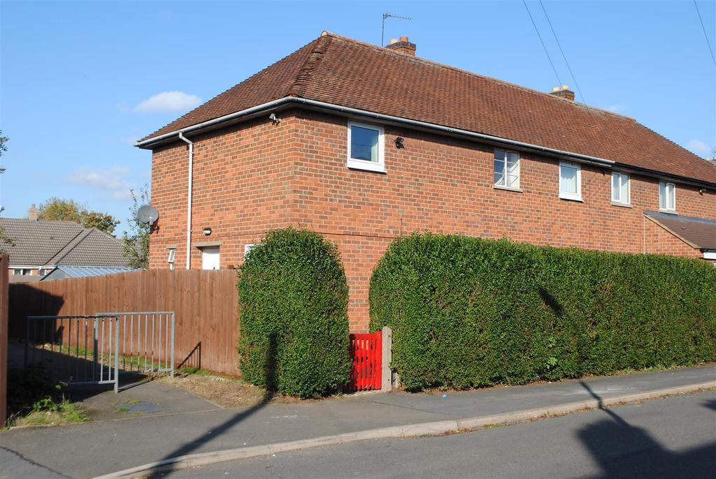 6 Bedrooms Semi Detached House for sale in Wordsworth Road, Loughborough