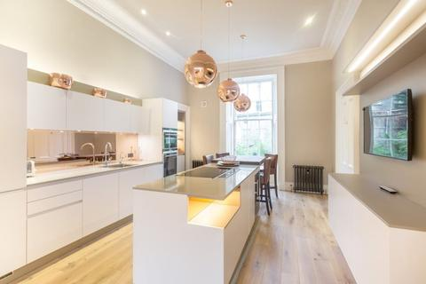3 bedroom flat to rent - Rutland Square, Edinburgh