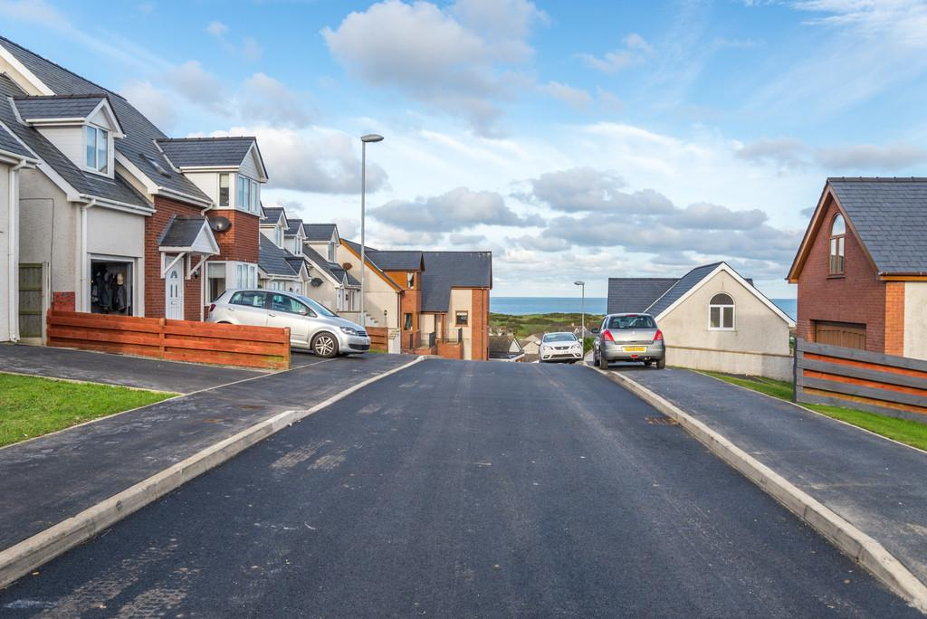 3 Bedrooms Detached House for sale in Bull Bay, Anglesey, North Wales