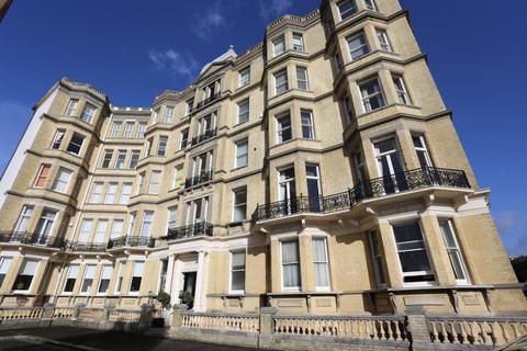 3 bedroom flat to rent - Grand Avenue, Hove