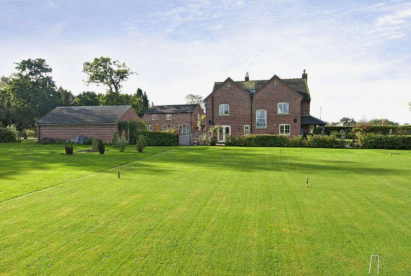 6 Bedrooms Detached House for sale in Moss Lane, Byley