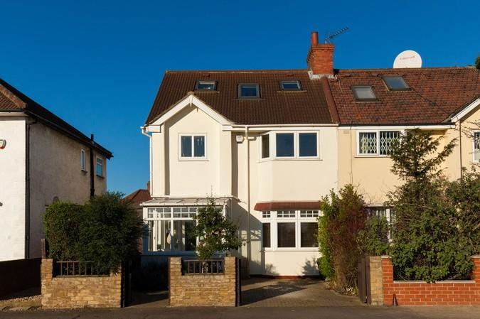 4 Bedrooms Semi Detached House for sale in Northfields Road, Acton