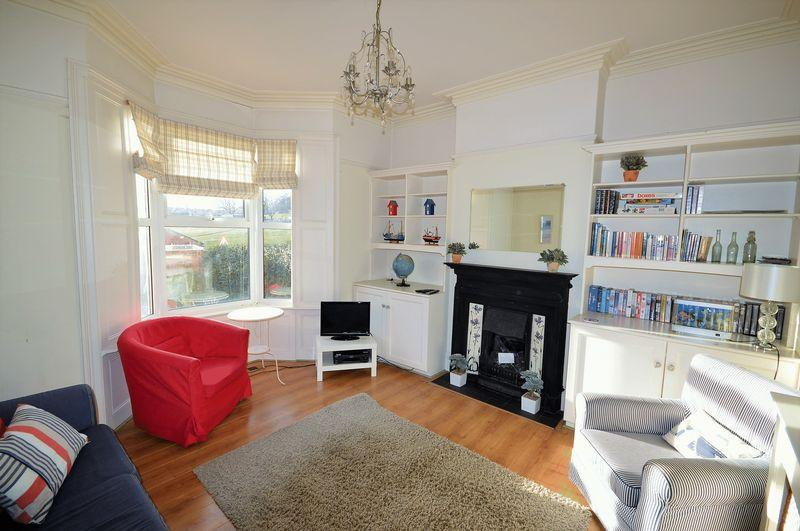 5 Bedrooms Terraced House for sale in York Terrace, Whitby